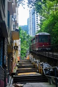 The Peak Tramway på vei opp mot Victoria Peak., Hong Kong