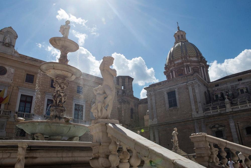 Fontana della Vergogna, Palermo