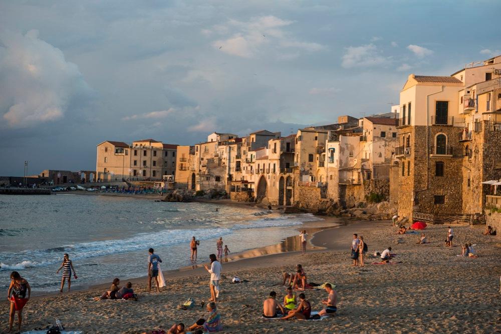 Stranda i Cefalù, strand, Sicilia, badeferie Sicilia, charterferie