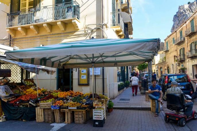 Gate i Castellammare del Golfo, tatt under bilferien på Sicilia.