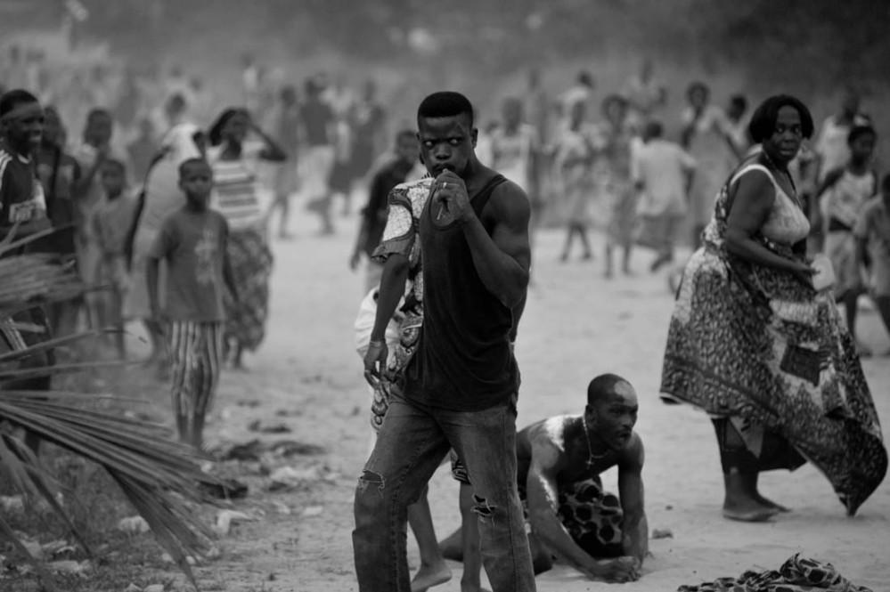 Fra voodoodans i Benin i Vest-Afrika